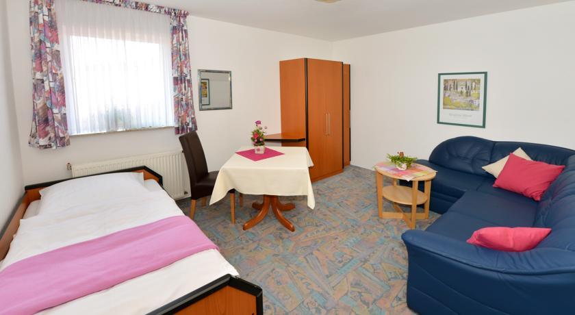 Großes Hotelzimmer als Comfort Einzelzimmer