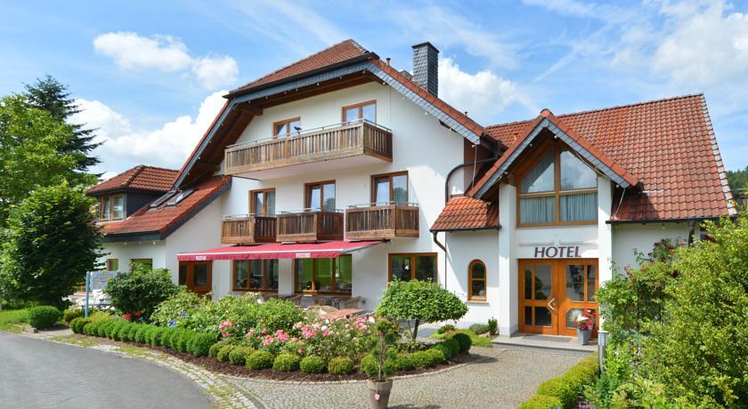 Inmitten des Biosphärenreservates liegt das Rhön-Hotel Sonnenhof