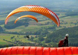 Paragliding und Drachenflieger heben ab im Kurzurlaub Rhön