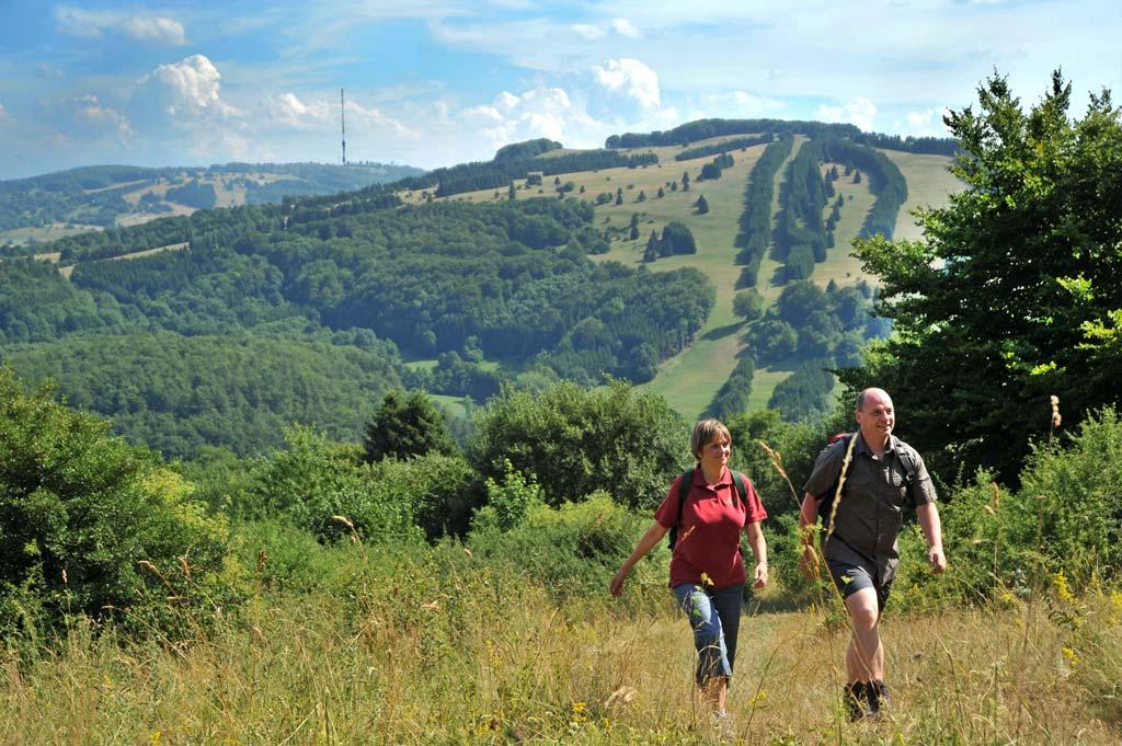 Wandern beim Kurzurlaub in der Rhön